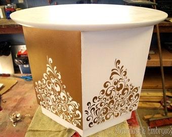 End Table flourish pattern