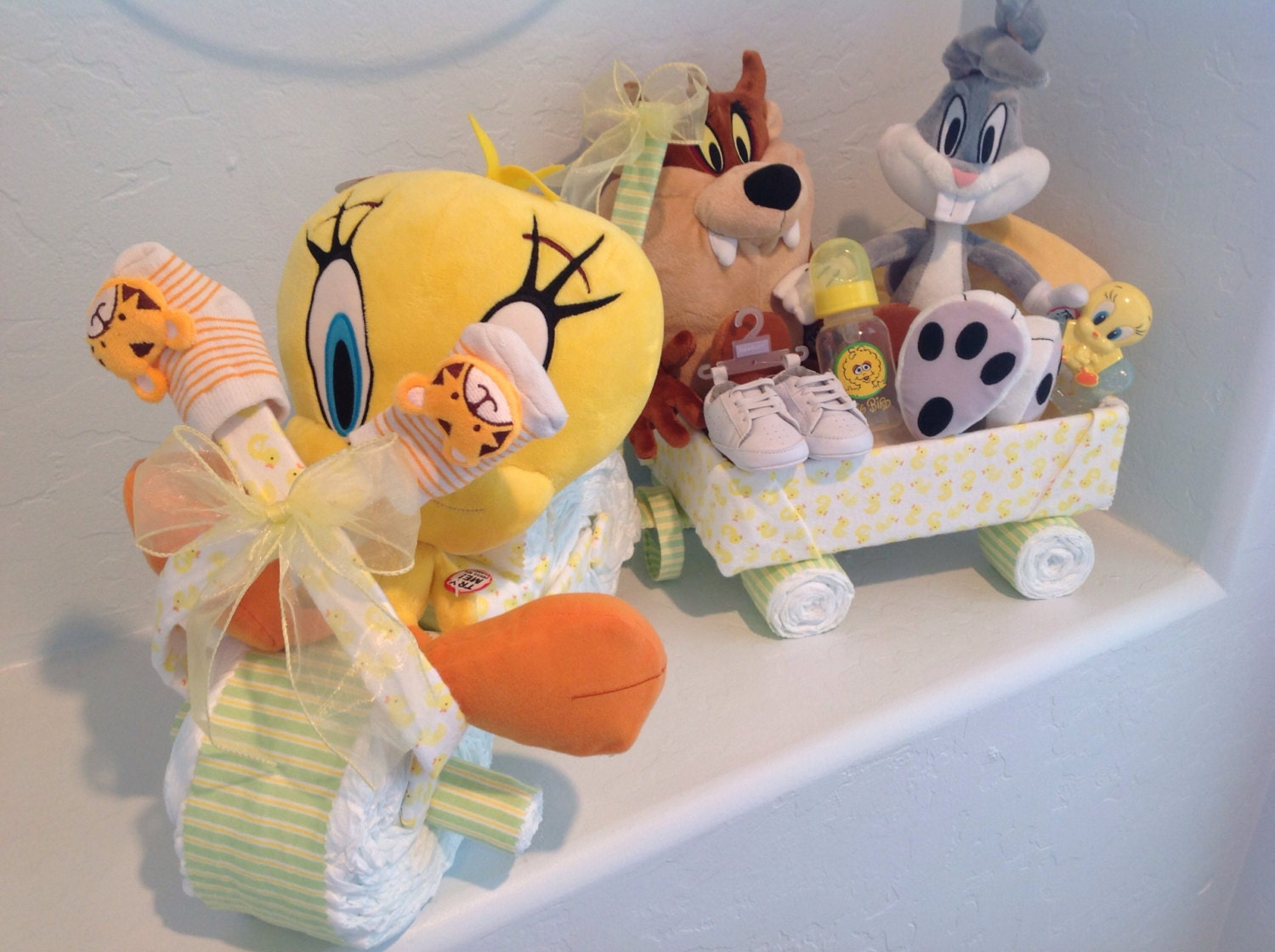Baby Gift Basket Diapers : Handmade baby diaper gift basket cakes and centerpiece
