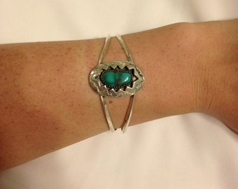"The vintage ""Southwestern"" Sterling Silver Turquoise Cuff"