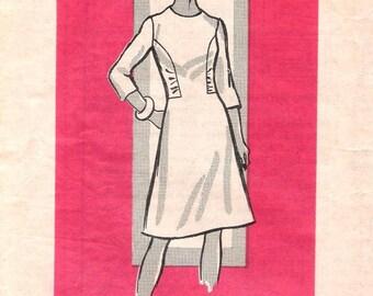 1970s Marian Martin Mail Order 9381 dress pattern 18 1/2 / 41 FF