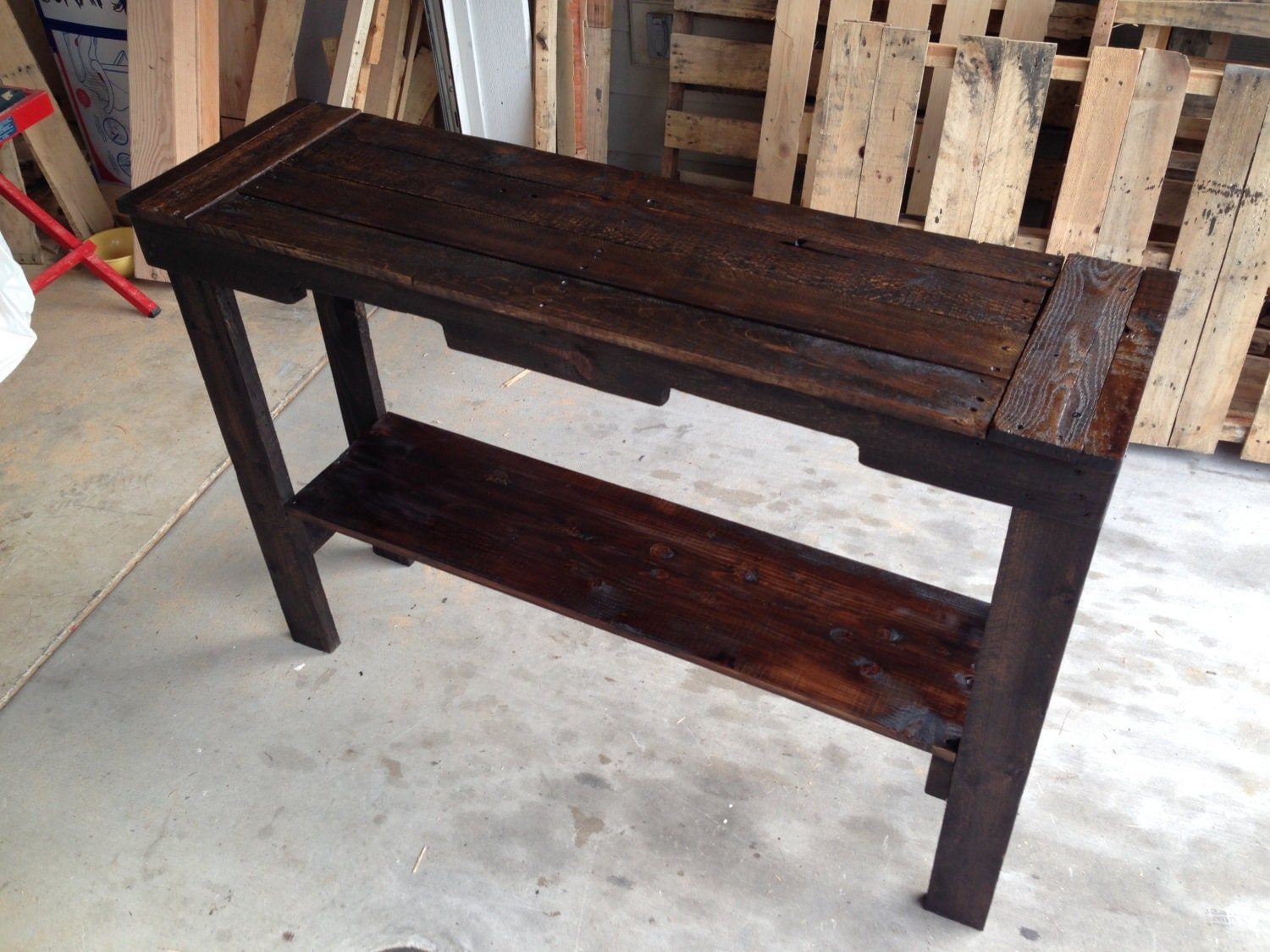 Recycled wood pallet sofa entry table by branwooddesigns for Sofa table made from pallets