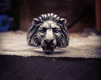 Sterling silver oxidized lion head ring