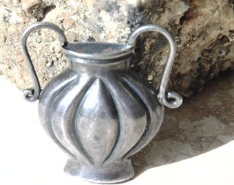 Vintage Taxco 980 Silver Brooch / Urn