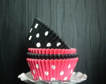 Polka dot cupcake liners mix: black and white