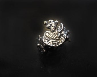 Geisha and Mum Flower Ring in White or Gold Bronze
