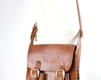 brown leather courier bag | vintage tooled cowhide purse | brown leather messenger bag | 1970s handcrafted leather shoulder bag