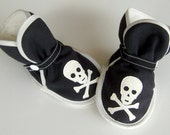 Skull and Crossbones Baby - Black Pirate Boots - booties, slippers, soft sole shoes, Etsy Kids Clothing