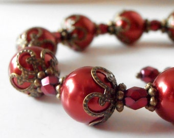 Red Pearl Bracelet Chic Rustic Bridesmaid Jewelry Apple Wedding Vintage Style Glass Pearl Antiqued Bronze Bridesmaid Gift Holiday Jewelry