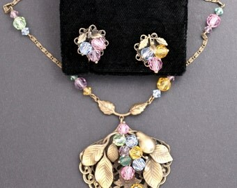 Vintage Set of Necklace with Pendant and Screwback Earrings Gold Filigree