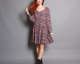 90s FLORAL DRESS / Fit & Flare Grunge Revival Mini, s-m