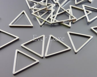 4 small 15mm abstract triangle geometric pendants / triangle charms for earrings necklaces, jewelry 935-MR-15 (matte silver, 15mm, 4 pieces)