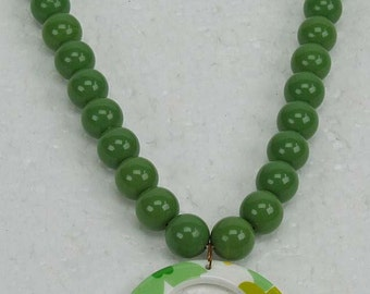 Fabulous Groovy Vintage Retro 1960s Green Bead Necklace with Floral Circle Pendant