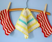 50s Kitchen Decor Hand Crocheted Pot Holders Oven Mitts Kitchen Trivets Vintage Potholders Cotton Hot Pads Oven Pads Small Pot Holders