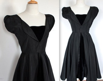 SALE / Vintage 1950's Dress // 50s Black Velvet and Acetate Rockabilly Party Dress // The New Look // DIVINE