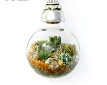 SOLD - Custom Jewelry, Terrarium Necklace, Handmade Necklace, Succulent Terrarium, Nature Jewelry, Terranium, One of a Kind