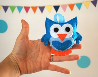 Mini Owl Sewing Kit, Felt Hand-Sewing Kit with PreCut Felt, Craft Felt Sewing Kit, Kid Sewing Kit,diy felt owl sewing kit READY TO SHIP A796