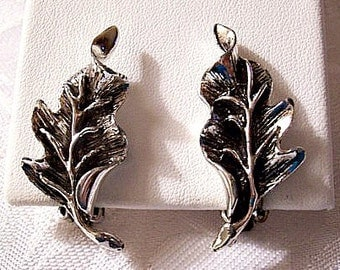 Falling Leaves Clip On Earrings Silver Tone Vintage Black Accents Scallop Edges