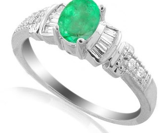 colombian emerald ring 18k white gold ring diamonds