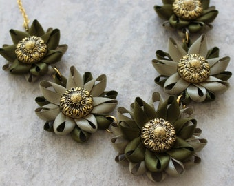 Olive Green Necklace, Green Statement Necklace, Dark Green Necklaces for Women, Green Jewelry, Green Flower Necklace, Sage Green Necklace
