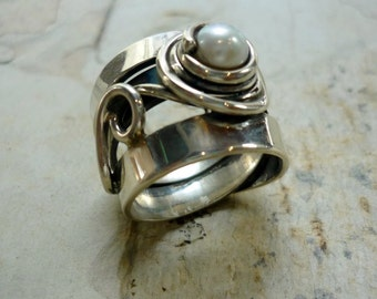 Sterling Silver Pearl Ring, Wire Wrapped Ring, Wide Silver Band, Boho RING, Silver Ring, Chunky Silver Ring, Wide Band, Engagement Ring.