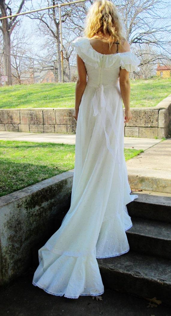 Eyelet Off The Shoulder Bohemian Wedding Dress Ruffles Long