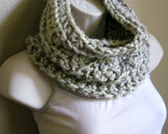 Wool Light Beige Bulky Ribbed Cowl Scarf