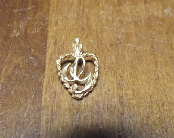 Heart shaped 14K gold pendant hand made unusual designs Vintage 80's