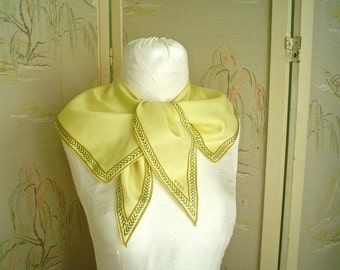 Vintage Vera Wingtip Scarf 1950s Pale Yellow Angles
