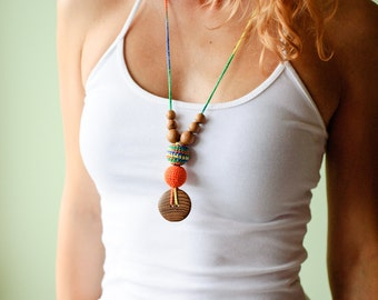 The Best Babywearing Necklace - orange and green mix - oak wood