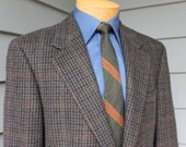 newer vintage -Brooks Brothers- Camel Hair sport coat. Olive Guncheck. 2 button - Sack cut . Size 39 - 40 Reg