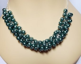 Green Teal Pearl Cluster Necklace, Mom Sister Jewelry, Gift, Bridesmaid Necklace, Modern Pretty