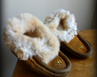 Beautiful antique childrens Native American moccasins with white fur and beading