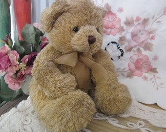 Adorable Huggable Teddy-Bear - 70's Vintage Collectible Item  /  #1