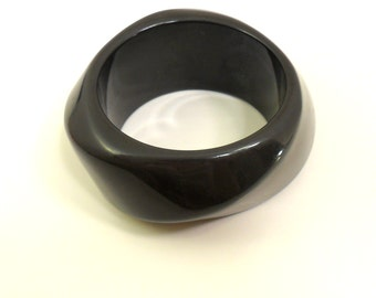 SALE Charcoal Gray Lucite Bangle - Spiral Shape - Heavy Wide Bracelet - Huge