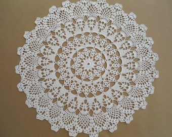 Crochet doily , ivory , pineapple , lace tablecloth , round , 16 ""