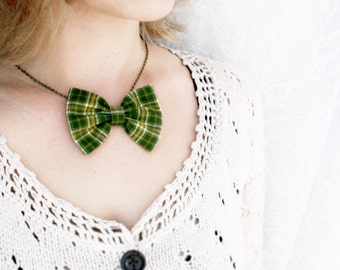 "Green scottish tartan. Bow tie necklace. antique brass chain 18""  Holiday necklace. Bib necklace Fabric bow Ready to ship"