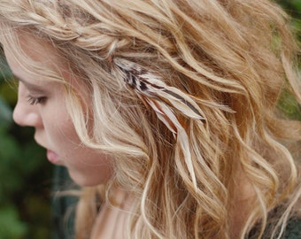 Feather Hair Clip: simple, for short hair, neutral colors