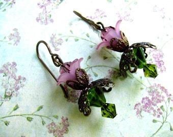 Amethyst Lucite Flower Earrings, Purple Lucite Flowers, Lucite Flower Earrings, Flower Earrings, Lucite Earrings, Dangle Earrings