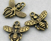 Insect Bee Charms Antique Bronze 6pcs base metal beads 17X18mm CM0405B