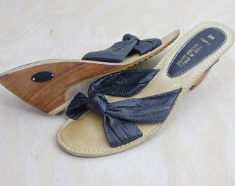 Vintage 70's Navy Leather Stacked Heels Sz 8M