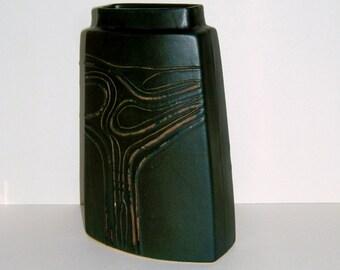 1970s Troika of Cornwall Art Pottery Vase Retro Vase Vintage Vase Troika Vase Vintage Home Decor Vintage Housewares English Vase