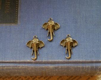 10 pcs Retro Antique Bronze Elephant Charms 25mm (BC772)