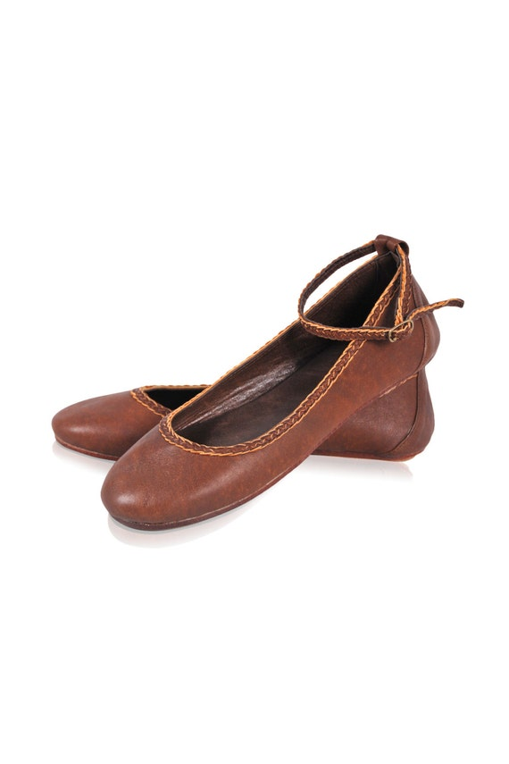 ELF. Womens shoes / leather ballet flats / brown leather shoes / brown shoes / leather flats. 35-43. Available in different leather colors.