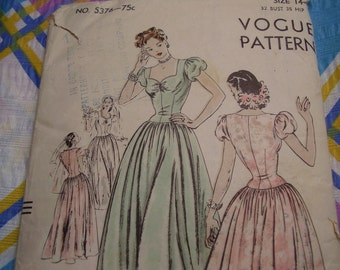 Vintage 1940's Vogue 5376 Evening Dress Sewing Pattern, Size 14, Bust 32