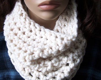 NATURAL CREAM NECKWARMER crochet cowl in Fisherman / handmade accessories infinity eternity chunky winter neck warmer women unisex