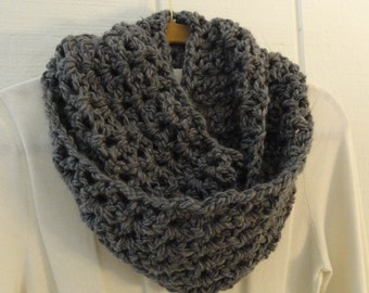 Crochet V STITCH Infinity Scarf Cowl Medium Charcoal Gray Chunky Soft Warm 10 Colors