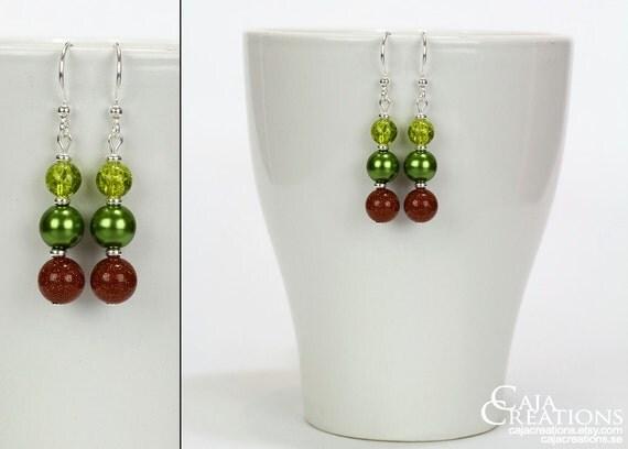 https://www.etsy.com/se-en/listing/175926781/glitter-sparkle-ooak-earrings-in-green
