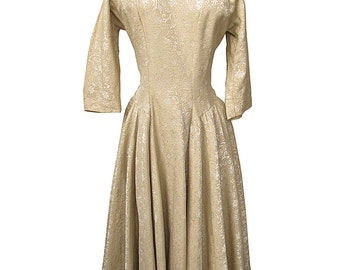 Vintage 1950s Party Dress Beige Brocade Basque Bodice Full Skirt Tea Length