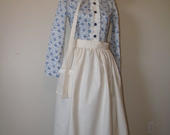 custom Pioneer apron and bonnet *dress not included*