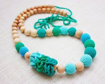 Crochet Teething Nursing necklace for breastfeeding Mommy  - teal turquoise mint emerald green colors - cotton yarn wood bead
